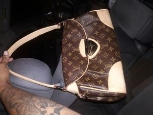 Loui V Purse, exquisite !!!! for Sale in Silver Spring, MD