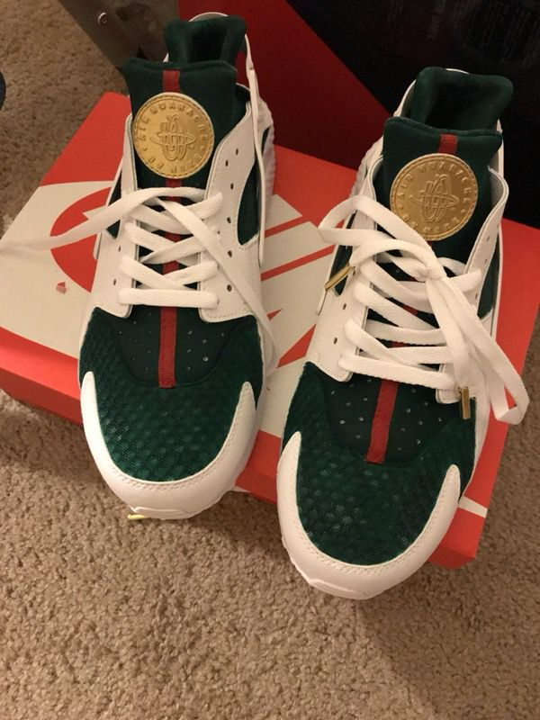 Nike Gucci Huaraches For Sale In Hazelwood MO