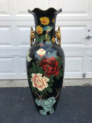 Extra Large Tall Floral Vase for Sale in Manassas, VA