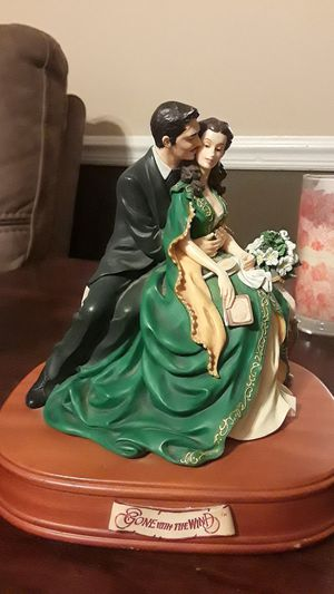 Photo  Gone with the Wind Music Box Plays Tara's Theme  Gone with the Wind Music Box Plays Tara's Theme Gone with the Wind Music Box
