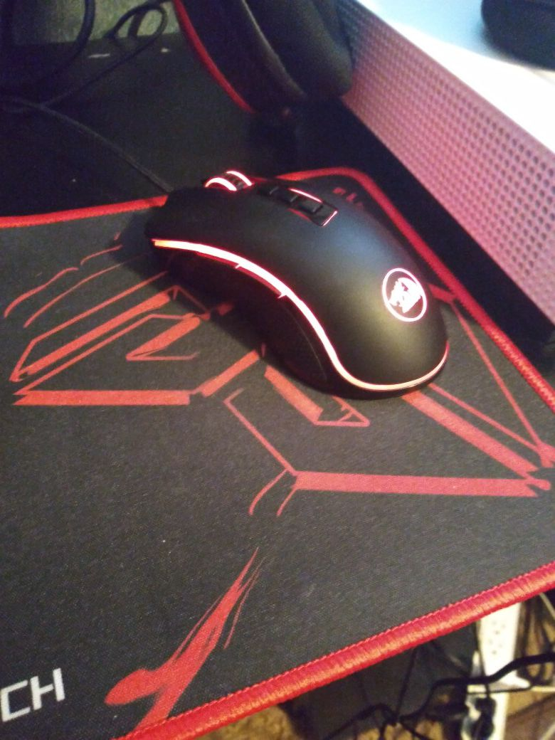 Red dragon keyboard, mouse and mousepad