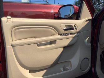 2011 Cadillac Escalade ESV Thumbnail