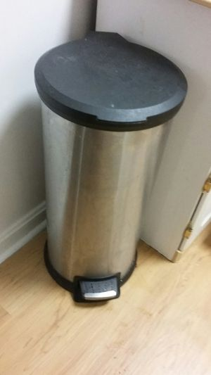 STAINLESS STEEL TRASH CAN for Sale in Falls Church, VA