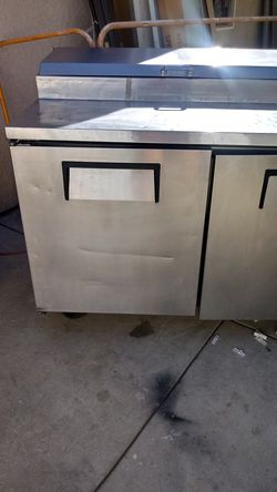 Pizza prep table 3 door refrigerated base Thumbnail