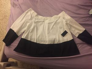 Cute Brand New Black & White Off-the-Shoulder top by Eloquii size 22 for Sale in Casselberry, FL