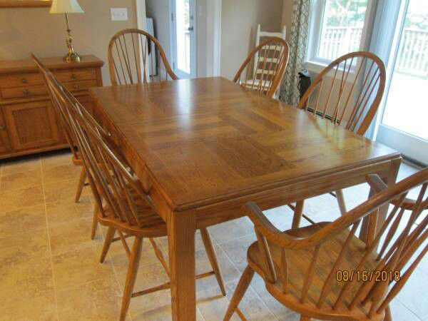 Excellent 10 Piece Solid Oak Dining Room Set for Sale in Hartford ...