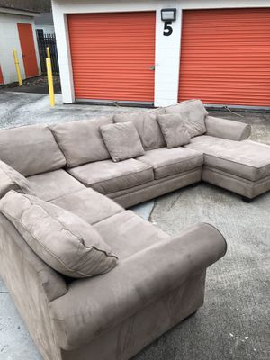 Sectional, pull out couch for Sale in Silver Spring, MD