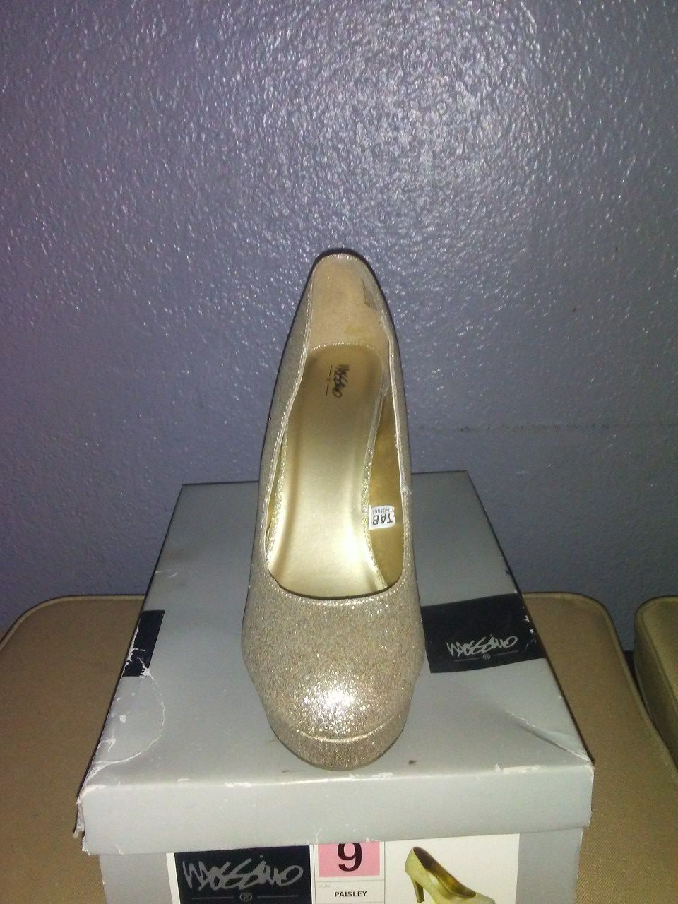 Mossimo gold glitter high heels size 9