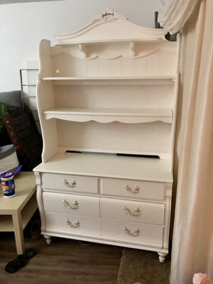 White dresser with a hutch for Sale in Gaithersburg, MD