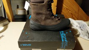 Teva winter snow boots size 10 for Sale in Gaithersburg, MD