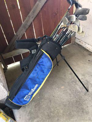 Wilson golf club bag with club set for Sale in Cerritos, CA