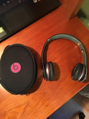 Beats Solo HD Wired on-ear Headphones for Sale in Vienna, VA