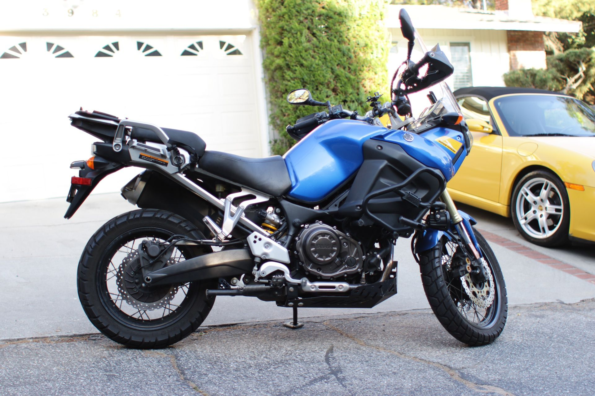Photo Yamaha Super Tenere with $2500 in add ons motorcycle bike