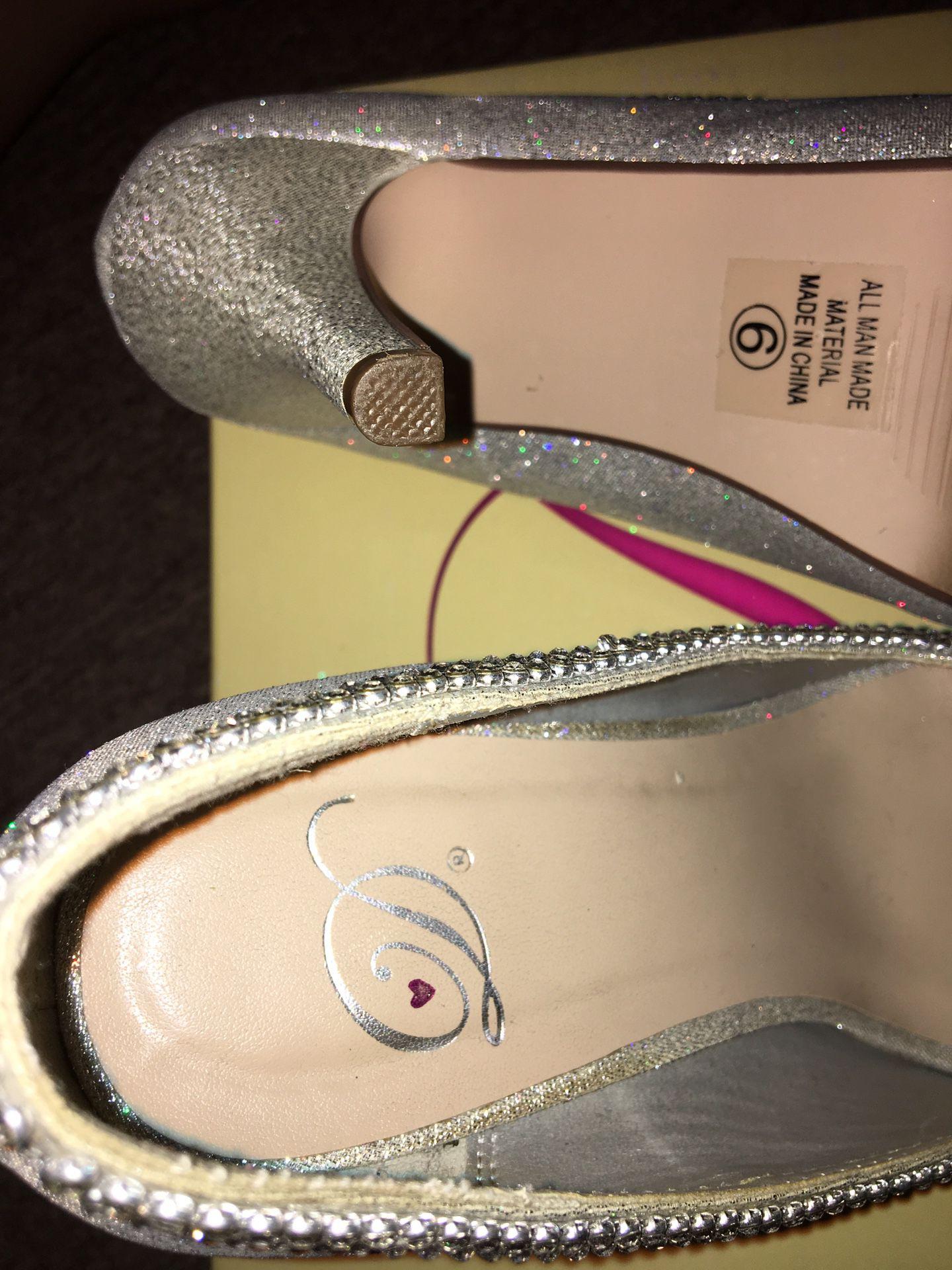 Prom heels/Diamond heels/Silver heels size 6
