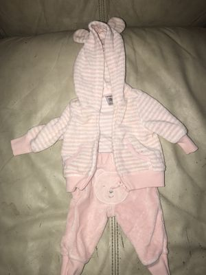 Assorted Baby Girl Outfits for Sale in Detroit, MI