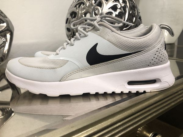 watch 30b4f bc47e Nike Air Max Thea Pure Platinum Black White Running Shoe Women s Size 7.5  for Sale in Laveen Village, AZ - OfferUp