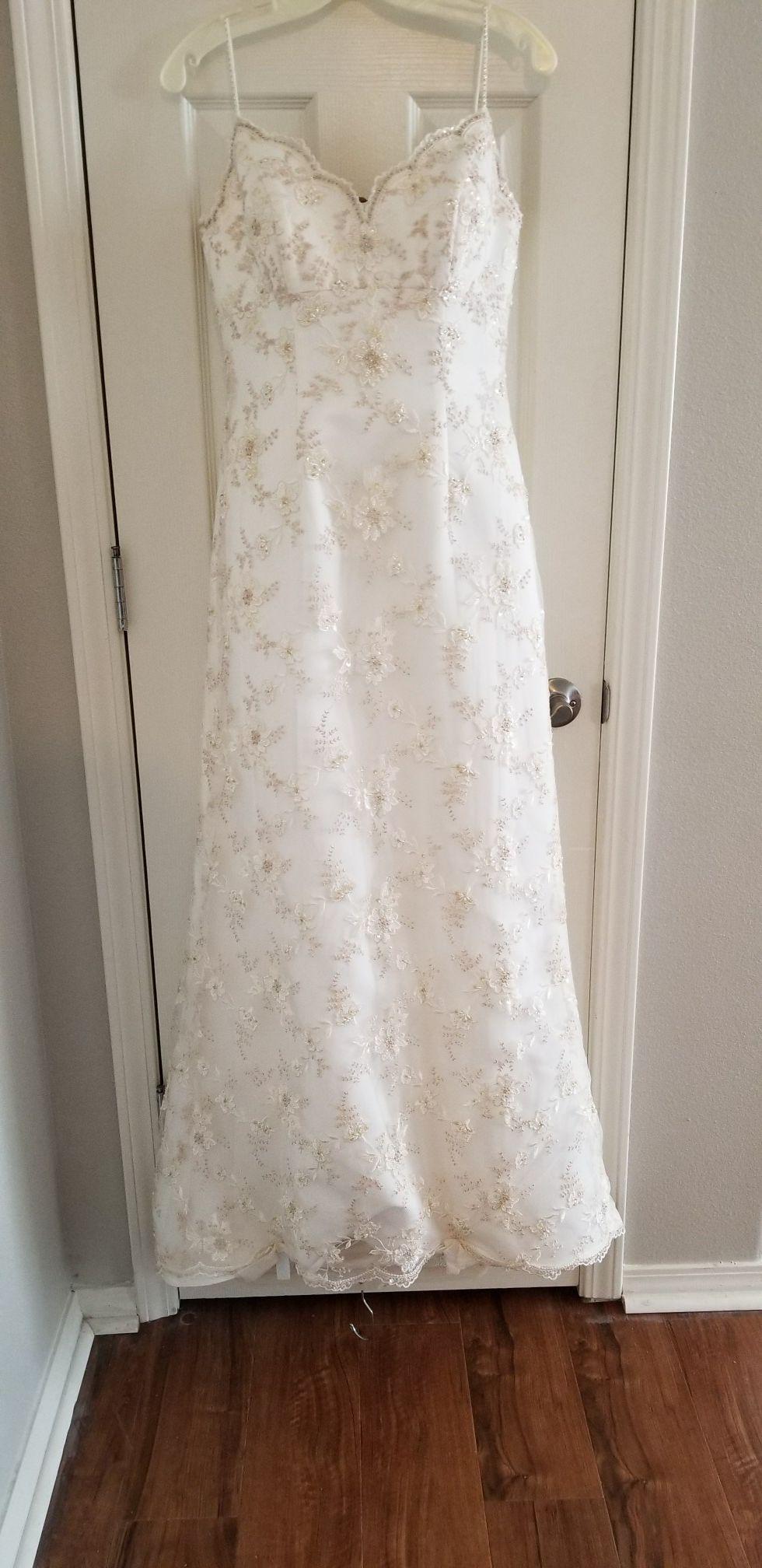 Gorgeous Hand Embroidered Oleg Cassini Wedding Dress Sz 8