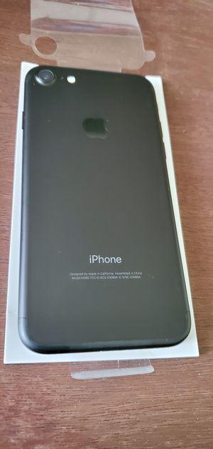Photo BOOST MOBILE PHONE 7 32 GB BRAND NEW ((BLACKLIST))