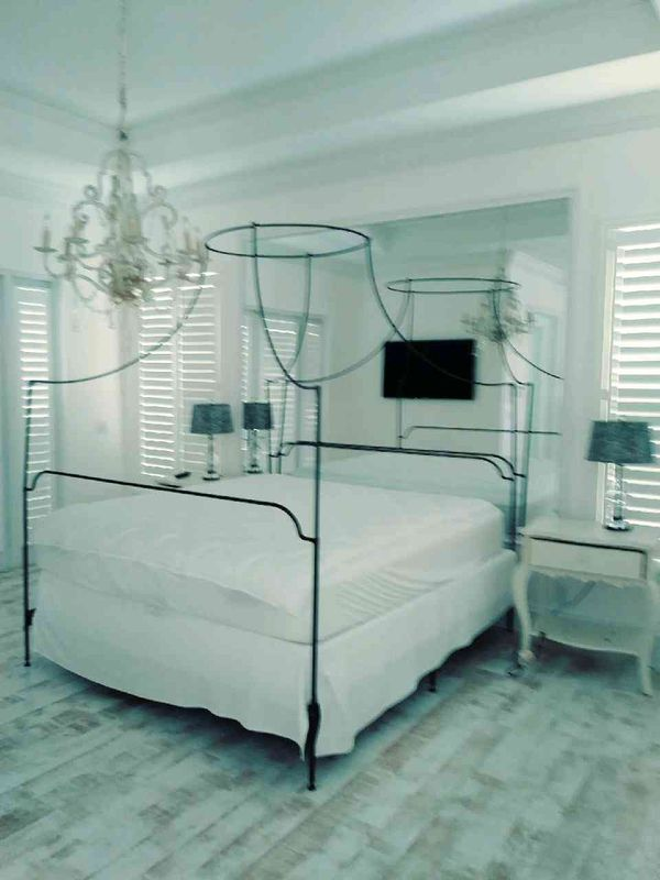 King Size Canopy Bed For Sale In Fort Lauderdale Fl Offerup