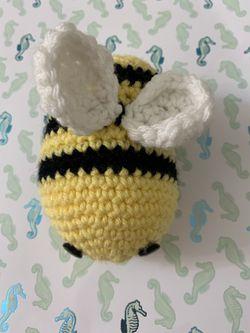 Crochet Bee Thumbnail