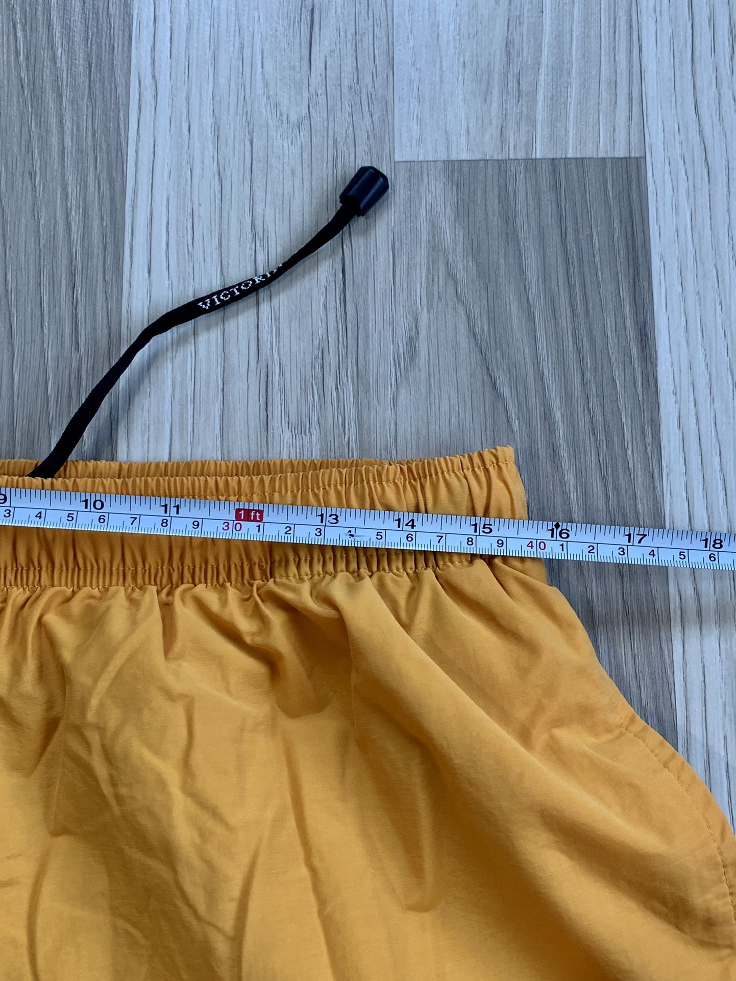 Victorinox Swiss Army Board Shorts Swim Trunks. Size Large. Good Condition, See All Pics