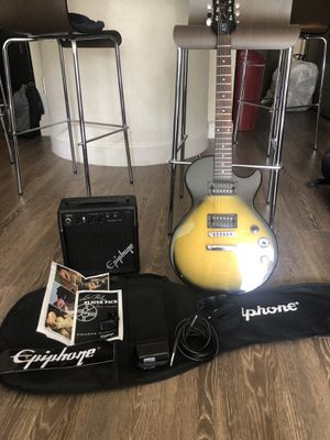 Epiphone Les Paul Special ii Guitar w/ pack for Sale in Union Park, FL