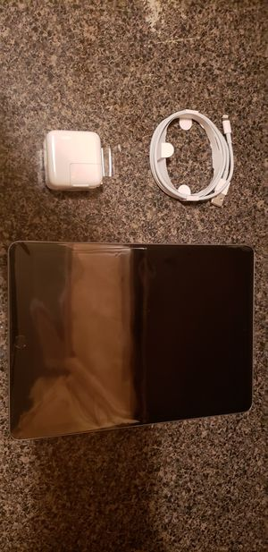 5 128gb iPads for sale ***(new never used) for Sale in Queens, NY