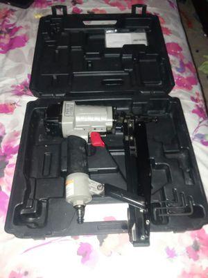 Finish nail gun #16 en buenas condiciones for Sale in UNIVERSITY PA, MD