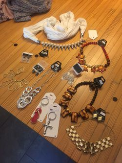 Jewelry lot all in picture for $30 Thumbnail