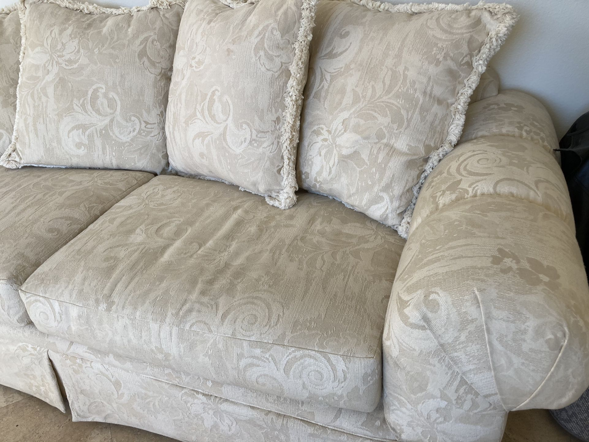 Luxurious High End Off white/ Beige Couch