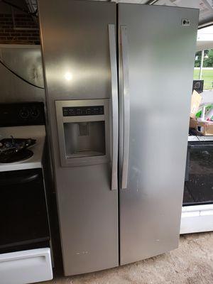 Lg fridge for Sale in Cumberland, VA