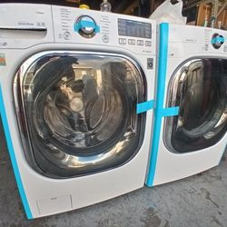 LG Washer And Dryer Set In Good Condition Like New Thumbnail