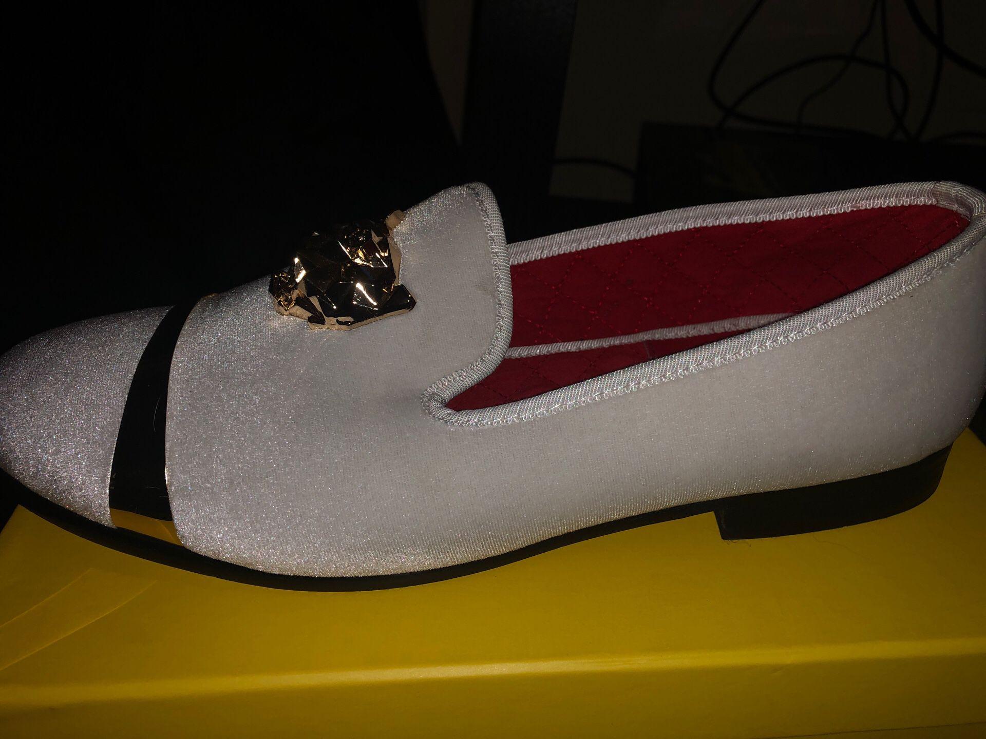 Dress shoes size -11