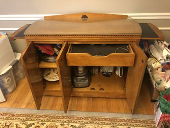 Hickory Dining Room Set Thumbnail