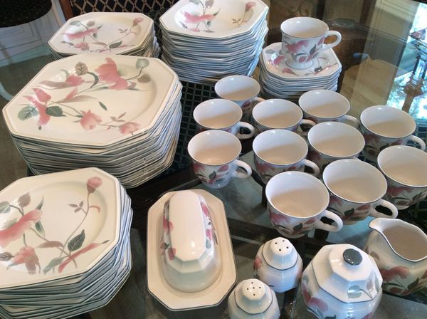 Nice Mikasa Silk Flowers Complete 12 Place Setting China For Sale In