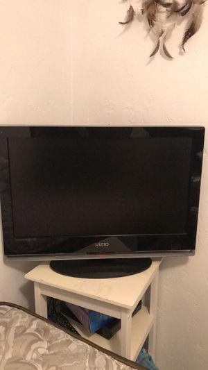 14 inch VIZIO TV for Sale in Boston, MA