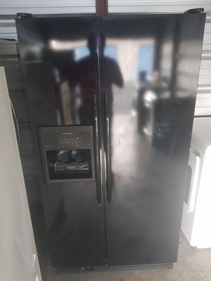 kitchen aid fridge for Sale in Kissimmee, FL