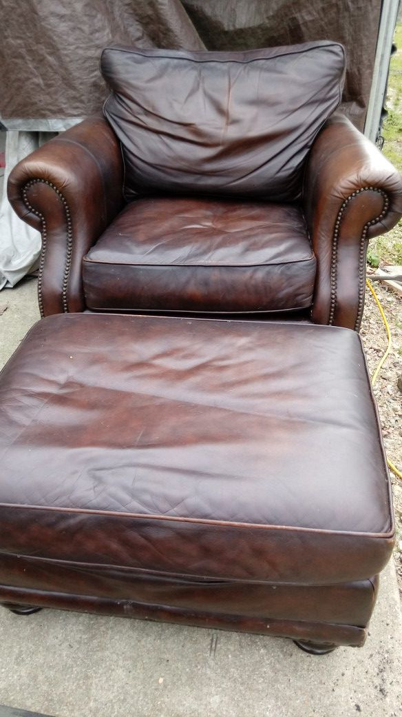 Haverty Extra Large Leather Chair With Ottoman Furniture In Raleigh Nc Offerup