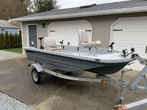 Photo Bass Tender 11.3 Plastic Bass Fishing Boat & Trailer