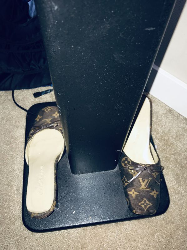 717fd0eb722e LV-Louis Vuitton Heels Size 8- 9 10 condition 100  Or best Offer for ...