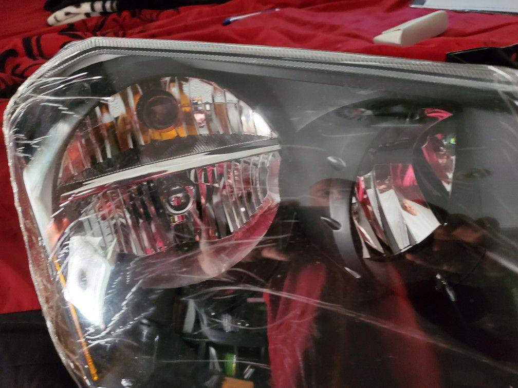 Dodge magnum headlights 2005 to 2007