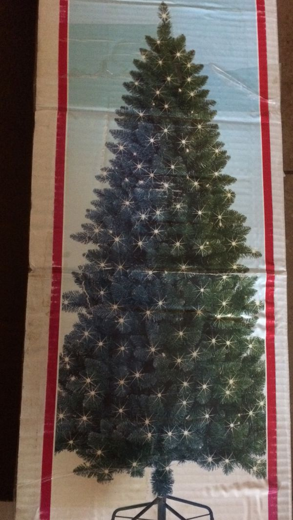 7ft Pre Lit Christmas Tree Excellent Condition Every Single Light
