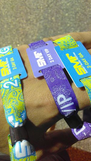 SUNSET MUSIC FEST SUNDAY WRISTBANDS for Sale in Tampa, FL