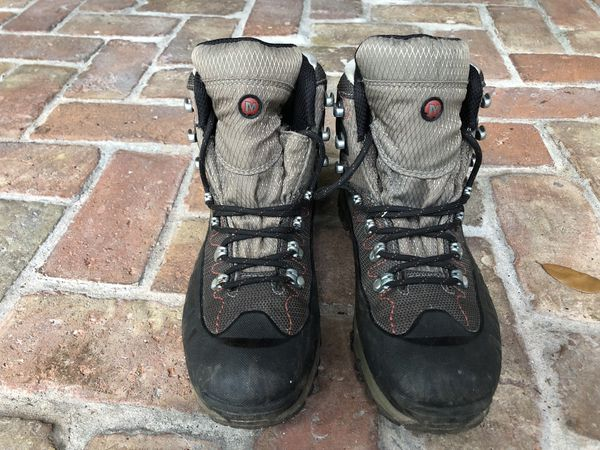 f8f74a7a401 New and Used Hiking boots for Sale in Parkland, FL - OfferUp