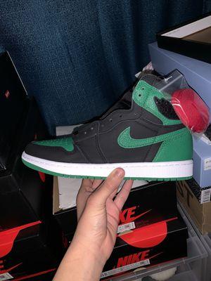 Photo Air Jordan 1 Retro Pine Green 2.0 size 8.5 and 9