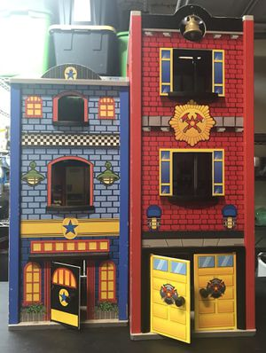 Kidkraft Everyday Heroes Wooden Playhouse - Firehouse and Police Station Combo for Sale in Pflugerville, TX