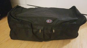New extra large duffle bag with wheels for Sale in Miami, FL