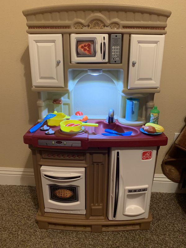 brand new out of box step 2 toddler play kitchen for Sale in Bloomington,  CA - OfferUp