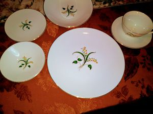 Forsythia by Knowles dinner service for 8 for Sale in Hemet, CA