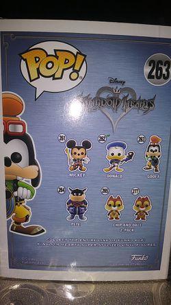 Kingdom Hearts II Pop Goofy Vinyl Figure Thumbnail
